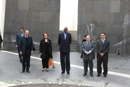 http://www.genocide-museum.am/eng/delegation/Frank-02.jpg