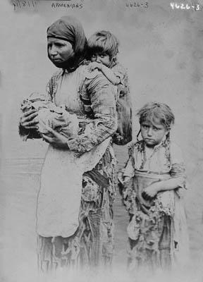 Soykırım kurbanı ermeni çocukları